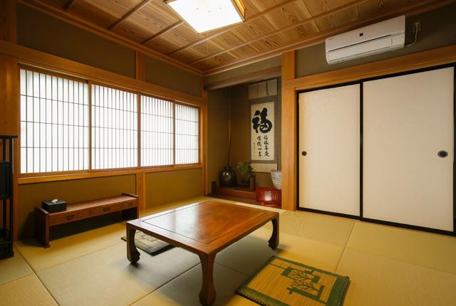 季心里の和室を右から撮った写真